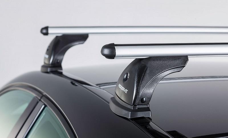 La semplice genialità delle barre portatutto universali da auto