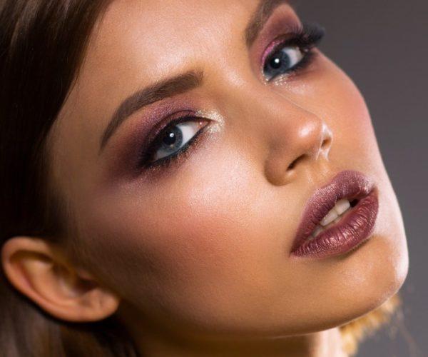 Il dinamico mondo fashion dei cosmetici Ofra