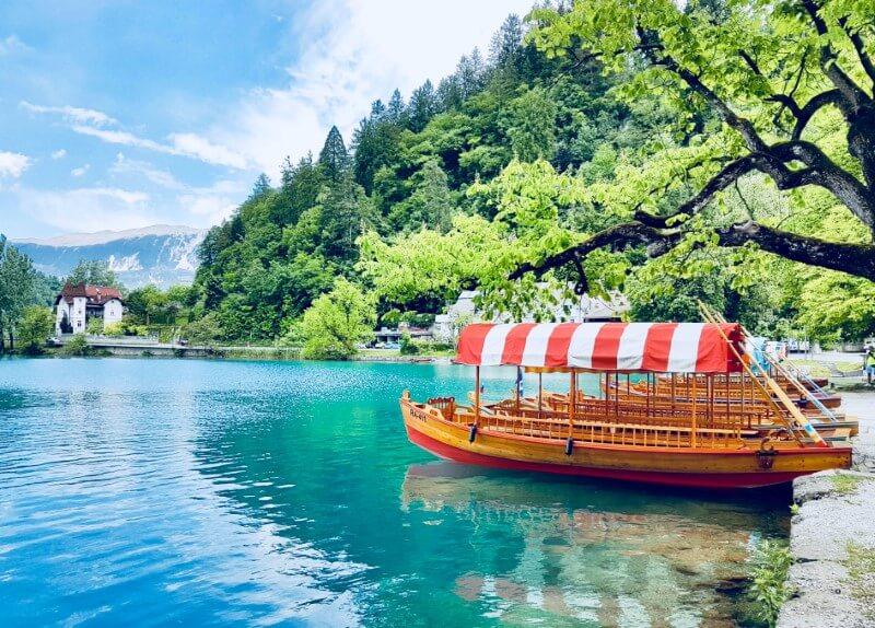 "Lago di  Bled e ""pletna"""
